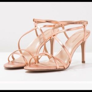 Banana Rebublic Rose gold strappy sandals